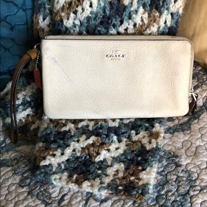 PREOWNED COACH Double Zip Wallet In Colorblock